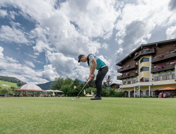 hotel-zum-jungen-romer-radstadt-golfer.jpg