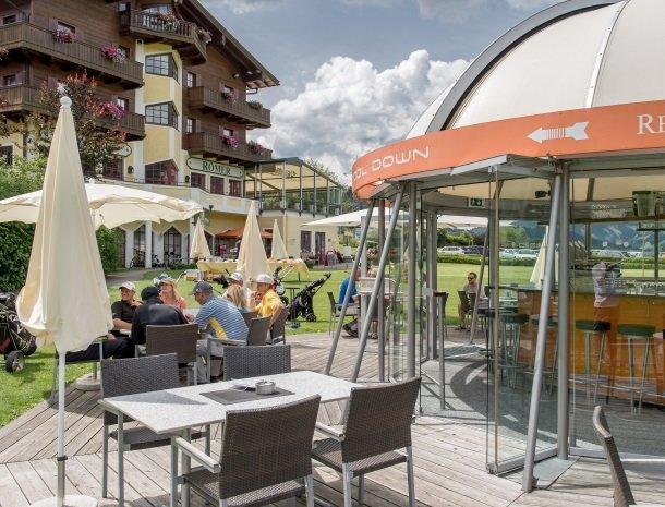 hotel-zum-jungen-romer-radstadt-golf-bar.jpg