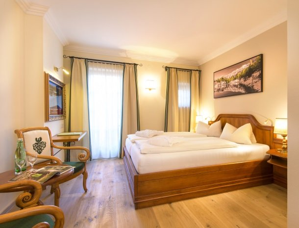 hotel-zum-jungen-romer-radstadt-kamermetbalkon.jpg