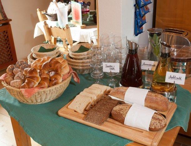 weingut-rebenhof-wijngebied-ontbijt-brood.jpg