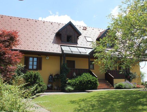 weingut-rebenhof-wijngebied-steiermark-huis.jpg