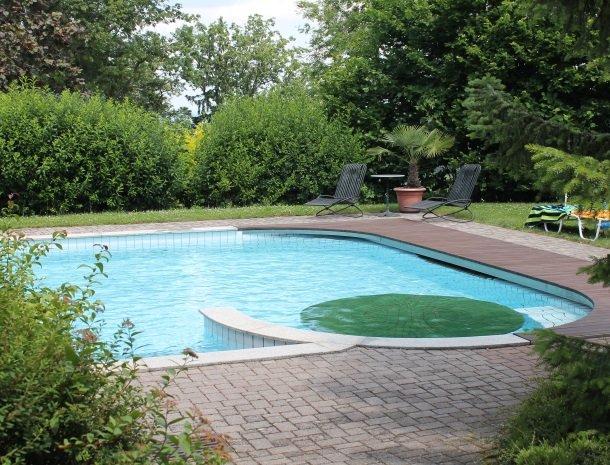 weingut-rebenhof-wijngebied-steiermark-zwemmen.jpg
