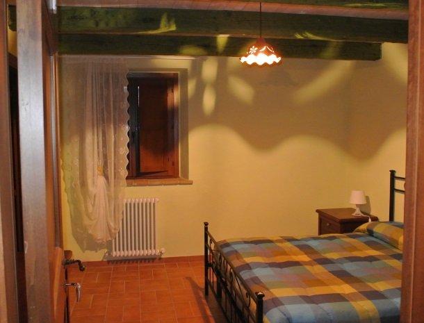 casale-don-dome-marche-slaapkamer1.jpg