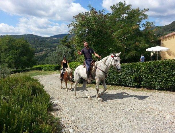 agriturismo-il-giardino-toscane-paardrijdtocht.jpg