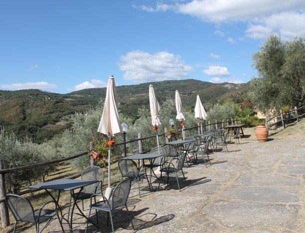 agriturismo-il-giardino-toscane-terras-uitzicht.jpg