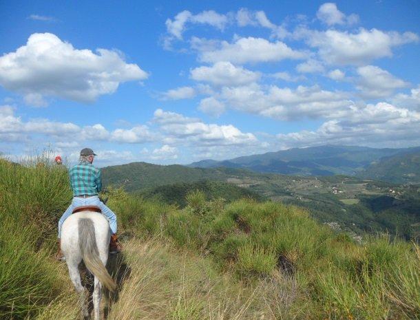 agriturismo-il-giardino-toscane-paardrijden.jpg