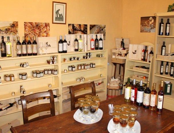 agriturismo santo stefano-castiglion-fiorentino-wijn.jpg