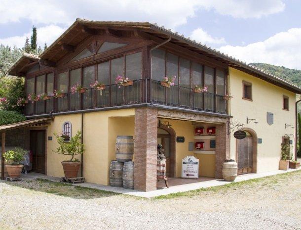 agriturismo santo stefano-castiglion-fiorentino-wijnhuis.jpg