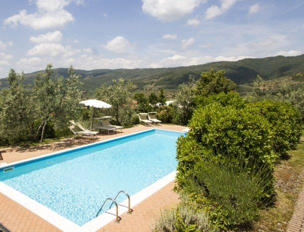agriturismo santo stefano-castiglion-fiorentino-hetzwembad.jpg