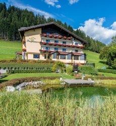 berghotel-presslauer-nassfeld-oostenrijk-zomer.jpg