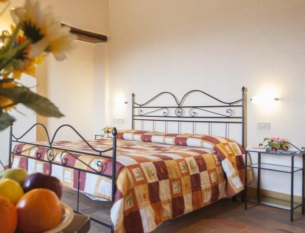 agriturismo-bonello-pienza-slaapkamer.jpg