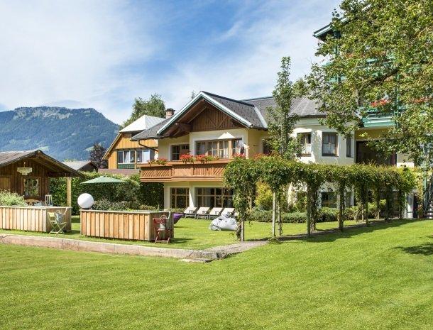 hotel kogler-badmitterndorf-tuin.jpg