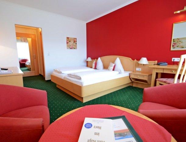 hotel kogler-badmitterndorf-slaapkamer-ruim.jpg