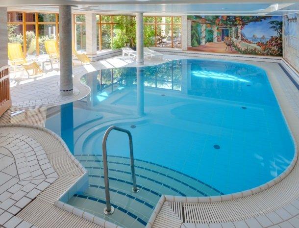 hotel kogler-badmitterndorf-zwembad.jpg