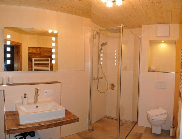 ferienwohnung petz-badkamer.jpg