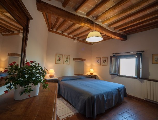 podere-san-lorenzo-volterra-slaapkamer-4.jpg