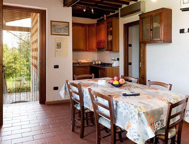 agriturismo casolare lucchese-appartement-keuken.jpg
