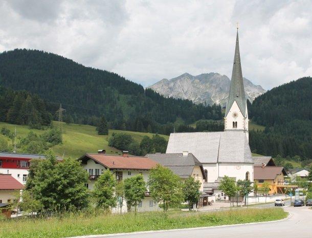 hotel das waldheim-kerk.jpg