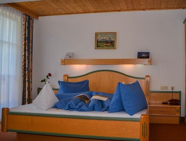 hotel das waldheim-slaapkamer.jpg