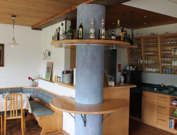 hotel das waldheim-bar.jpg
