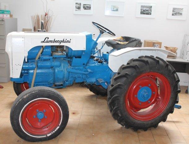 tenuta lamborghini-tractor-origineel.jpg