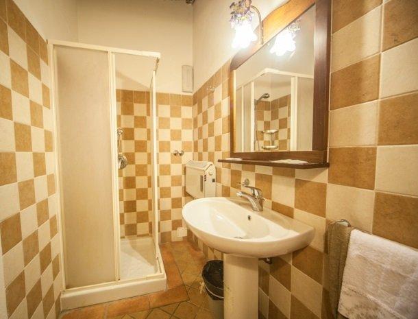 villa-otium-volterra-badkamer.jpg