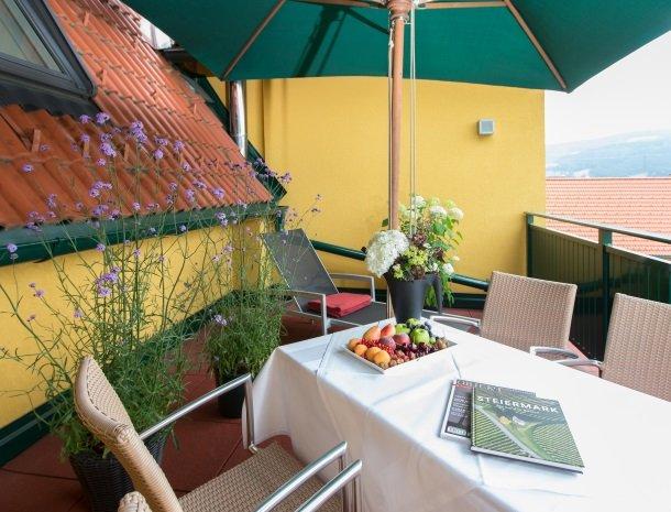 zirbenland-steiermark-appartement-balkon.jpg