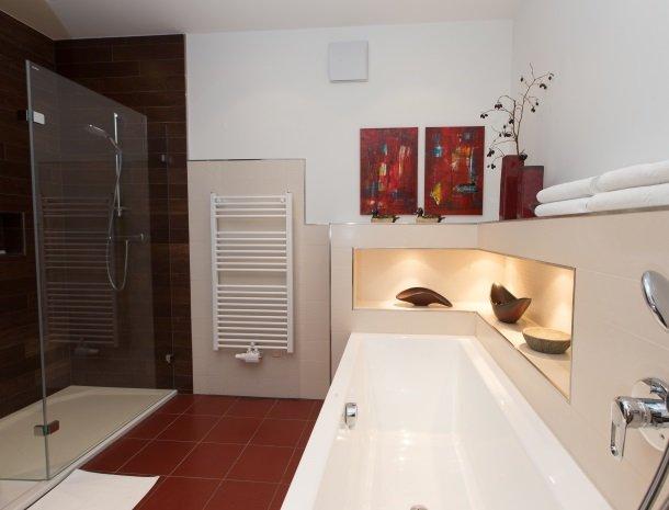 zirbenland-steiermark-appartementen-badkamer.jpg