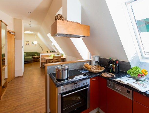 zirbenland-steiermark-keuken-woonkamer.jpg