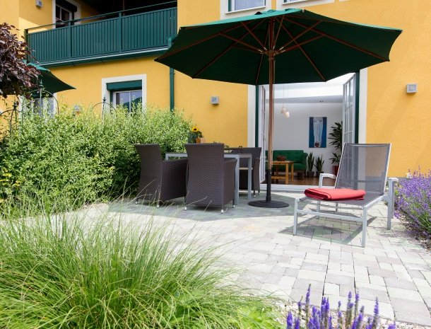 zirbenland-steiermark-appartementen-terras.jpg