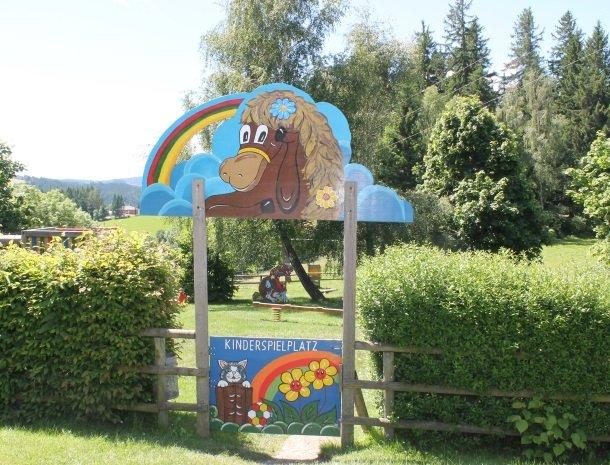 ponyhof-ratten-kinderspeelplaats.jpg