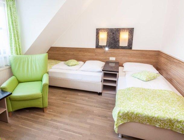 ponyhof-ratten-slaapkamer-bedden.jpg