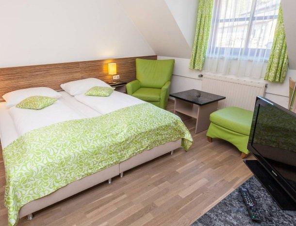 ponyhof-ratten-slaapkamer-bed.jpg