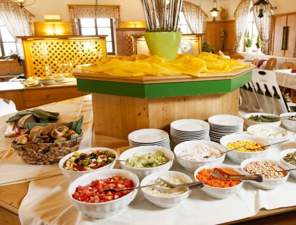 ponyhof-ratten-saladebuffet.jpg