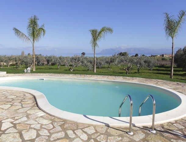 villadellestelle-scopello-zwembad.jpg