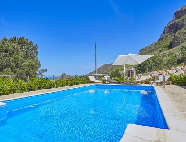 villa-daniela-sicilie-zwembad.jpg