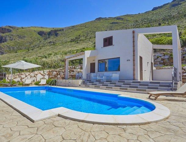 villa-daniela-sicilie-villa-met-zwembad.jpg