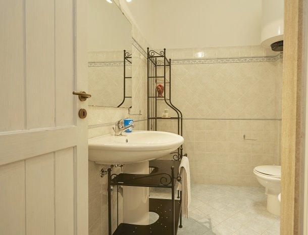 casedicalamazzo-scopello-appartementen-badkamer.jpg
