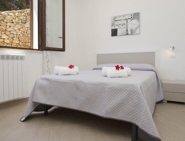 villadellamerla-sicilie-bed-twijfelaar.jpg