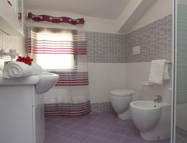 villadellamerla-sicilie-badkamer.jpg