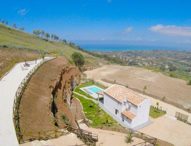 villa-poiana-castellammare-overzicht-zee.jpg