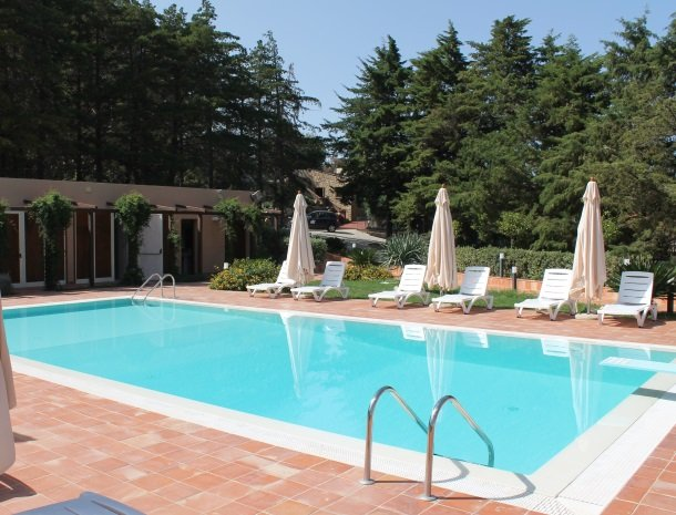 agriturismo-parco-nonna-betty-zwembad.jpg