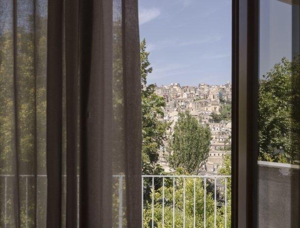 giardino-sul-duomo-ragusa-uitzicht-kamer.jpg