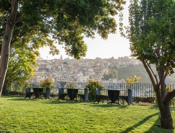 giardino-sul-duomo-ragusa-tuin-uitzicht.jpg