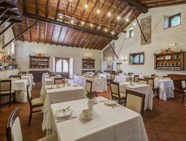il borgo castiglione di sicilia restaurant.jpg