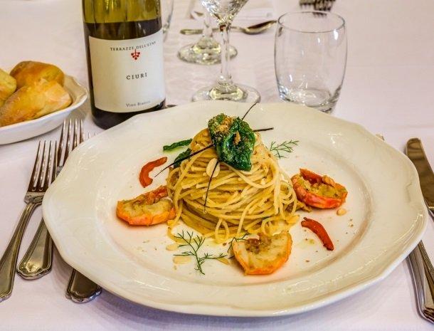 il borgo castiglione di sicilia spaghetti.jpg