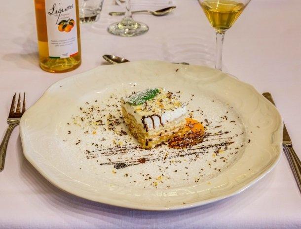 il borgo castiglione di sicilia dessert.jpg