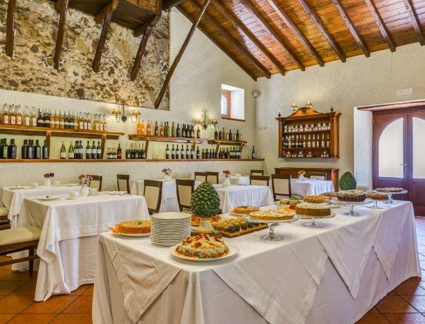 il borgo castiglione di sicilia buffet.jpg
