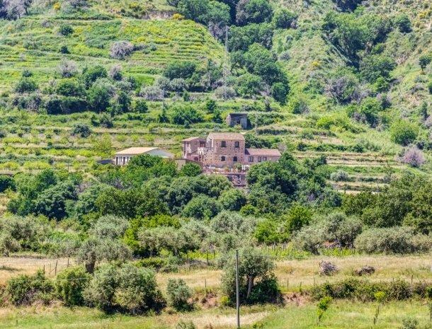il borgo castiglione di sicilia ligging.jpg