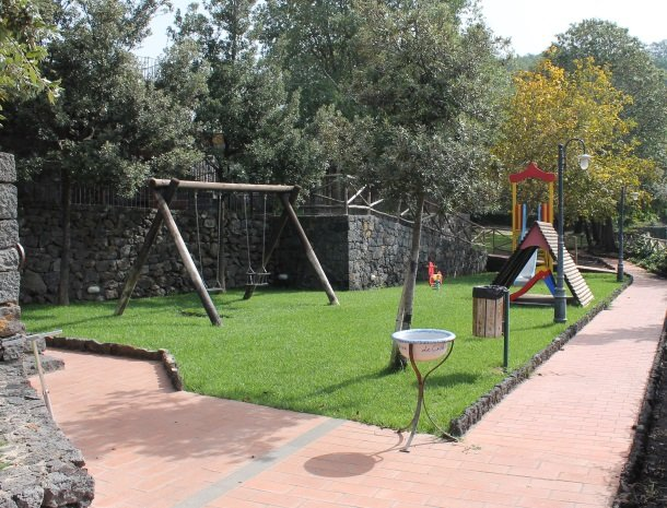 le cisterne-adrano-etna-speeltuin.jpg
